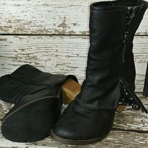 Super Cute Vanity Boots Size 9